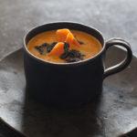 Karottensuppe mit Sesam-Karamell
