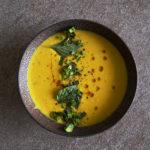 Kürbissuppe mit geröstetem Sesamöl
